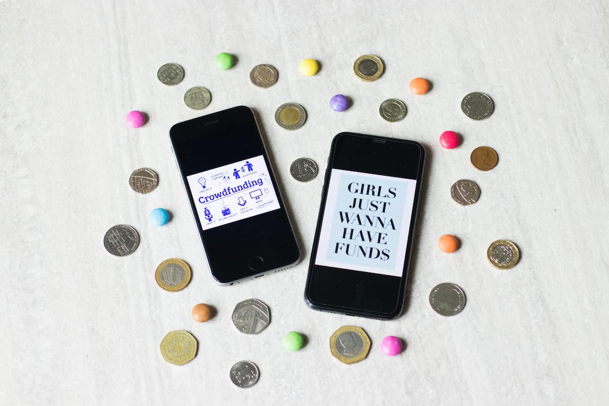 Due cellulari e monete